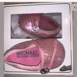 michael kors baby girl shoes Size 1